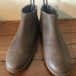 Sperry Ankle Boot, EUC, size 9